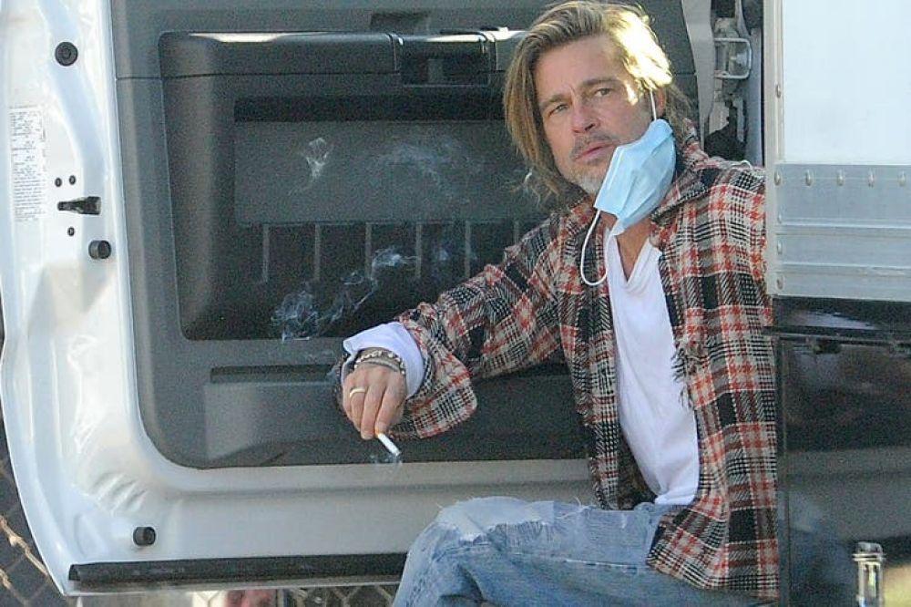 Brad Pitt repartió alimentos entre personas sin recursos en Los Ángeles