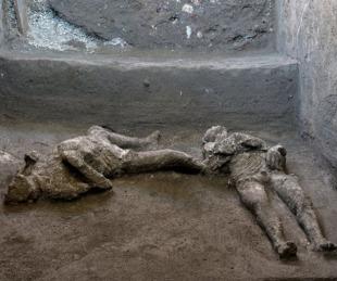 foto: Pompeya: descubren restos intactos de dos hombres de la erupción del Vesubio