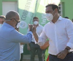 foto: Valdés entregó viviendas y firmó convenio por 10 unidades más