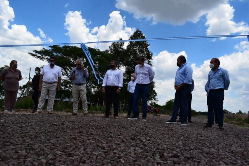 Valdés inauguró 40 kilómetros de ripio para producción y conectividad