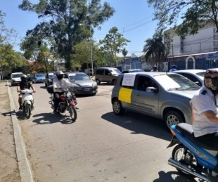 foto: Colectiveros marcharon por mejores salarios, sin corte de servicio