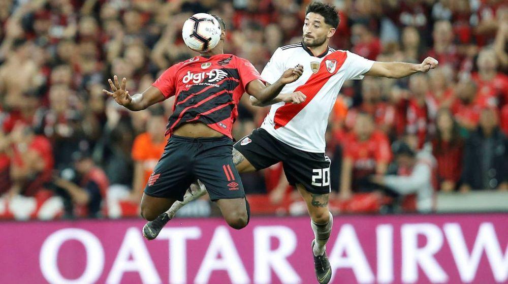 Covid: Paranaense sufrió un brote a horas del partido con River