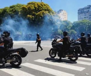 foto: Grave enfrentamiento entre los fans de Maradona y las fuerzas de seguridad