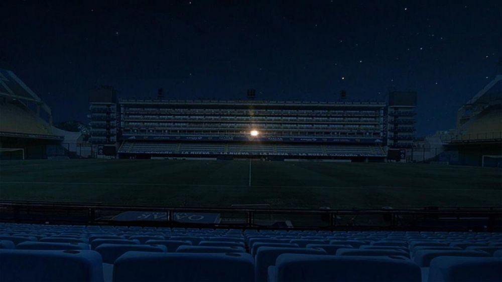 Estadios iluminados por Maradona: La Bombonera encendió su palco