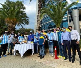foto: Peña de Boca en Israel realizó un sentido homenaje a Maradona