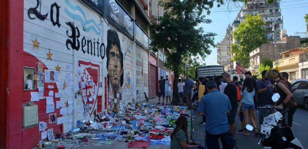 El funeral de Diego: Entre la pasión futbolera y los disturbios