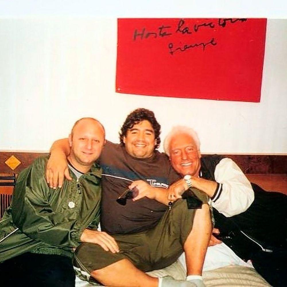 Maradona: un amigo afirmó que lo emborrachaban desde su entorno