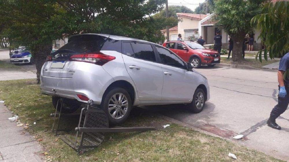 Mar del Plata: dio marcha atrás con su auto y atropelló a su esposa