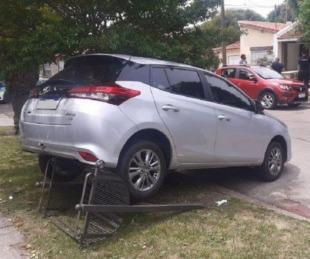 foto: Mar del Plata: dio marcha atrás con su auto y atropelló a su esposa