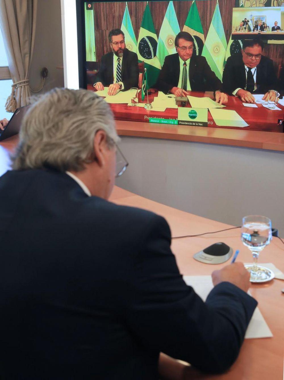 El Presidente encabezó un acto virtual junto a su par, Jair Bolsonaro