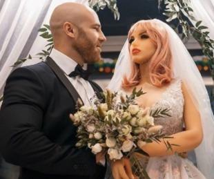 foto: Fisicoculturista ruso se casó con una muñeca sexual de silicona