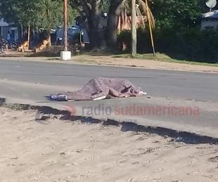 foto: Cayó de la moto en la que circulaba y fue aplastada por un camión