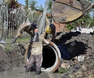 foto: Respuesta a vecinos: Tassano supervisó el inicio de obras pluviales