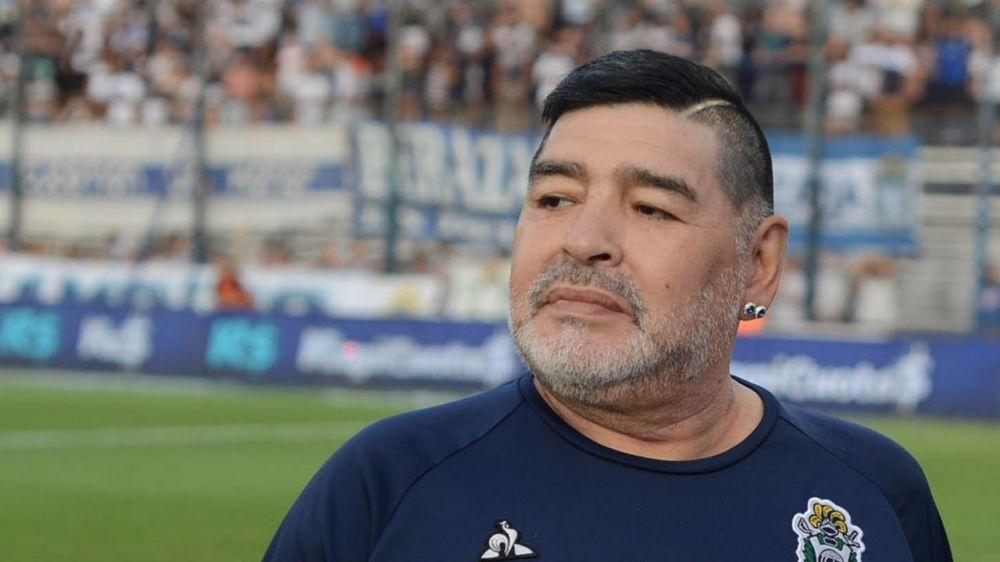 Un amigo de Maradona aseguró que Diego tuvo dos hijos con una moza