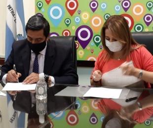 foto: Se concretó la firma de convenio para el acceso de partidas de nacimiento online