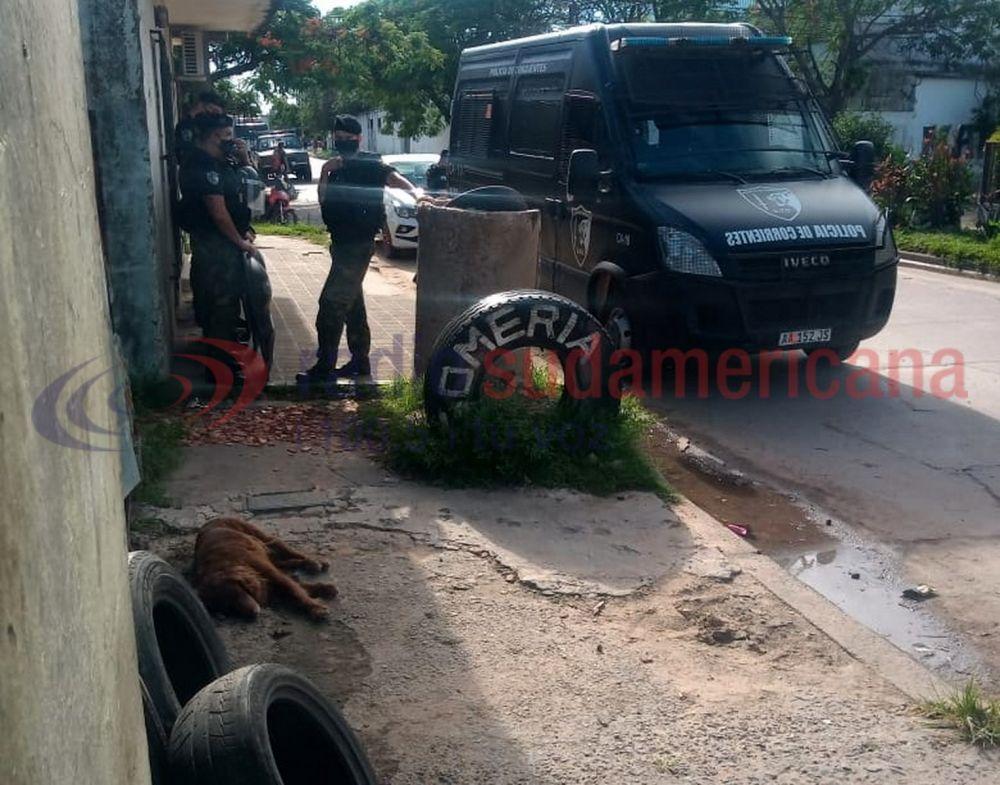 Familia fue desalojada en medio de un fuerte operativo policial
