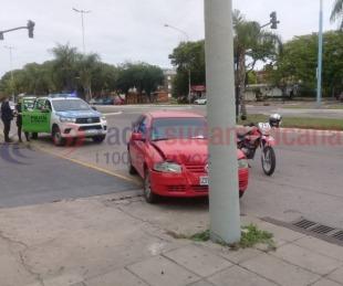 foto: Manejaba alcoholizado y chocó con su auto contra una columna