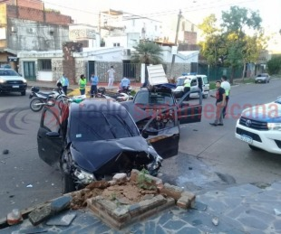 foto: Fuerte choque entre dos autos: un joven manejaba alcoholizado