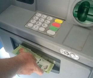 foto: Arranca el pago del aguinaldo para activos y pasivos provinciales