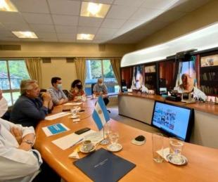 foto: Vacunas: Gustavo Valdés se reunió con Fernández para ultimar detalles