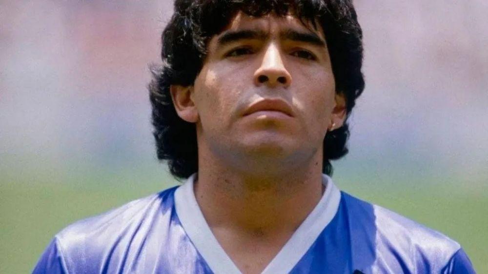 Aseguraron ver a Diego Maradona en una mancha de humedad en la pared