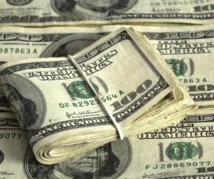 foto: Dólares: ya está disponible la opción para recuperar la percepción del 35%