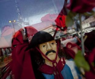 foto: ¿Quiénes son los famosos que veneran al Gauchito Gil?