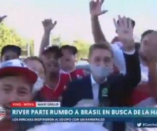 foto: Le robaron el celular a un periodista en el banderazo de River