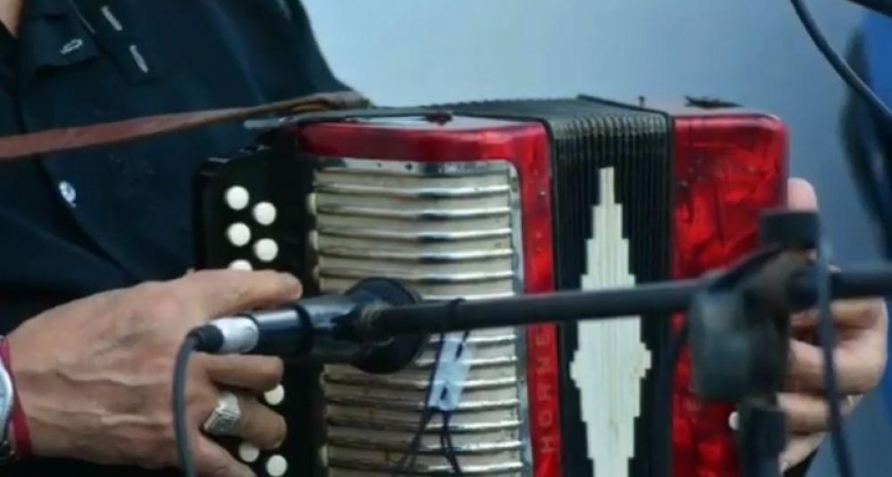 Gran Festival Virtual del Chamamé Mercedes canta al País