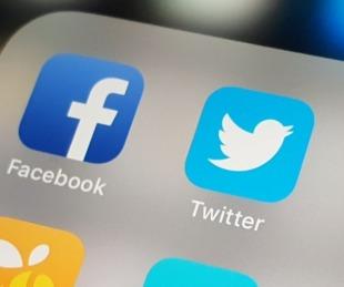 foto: Wikipedia en contra de Twitter y Facebook tras los episodios con Trump