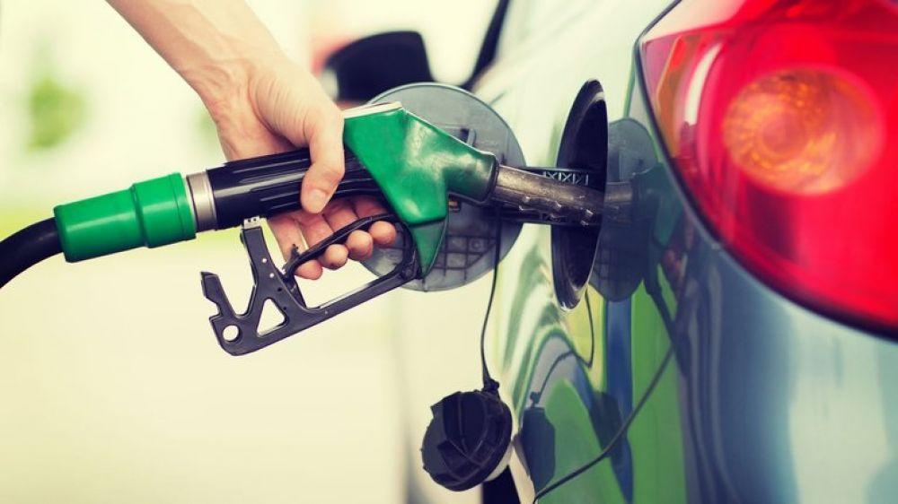 ¿Sube otra vez la nafta? Expectativa por aumento desde mañana