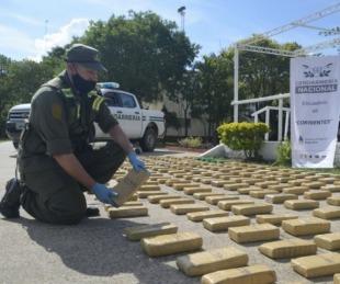 foto: Hallan más de 203 kilos de marihuana en un auto abandonado