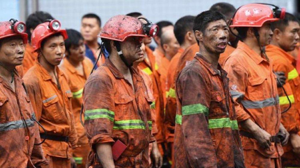 Al menos 12 mineros están con vida atrapados bajo tierra desde hace una semana