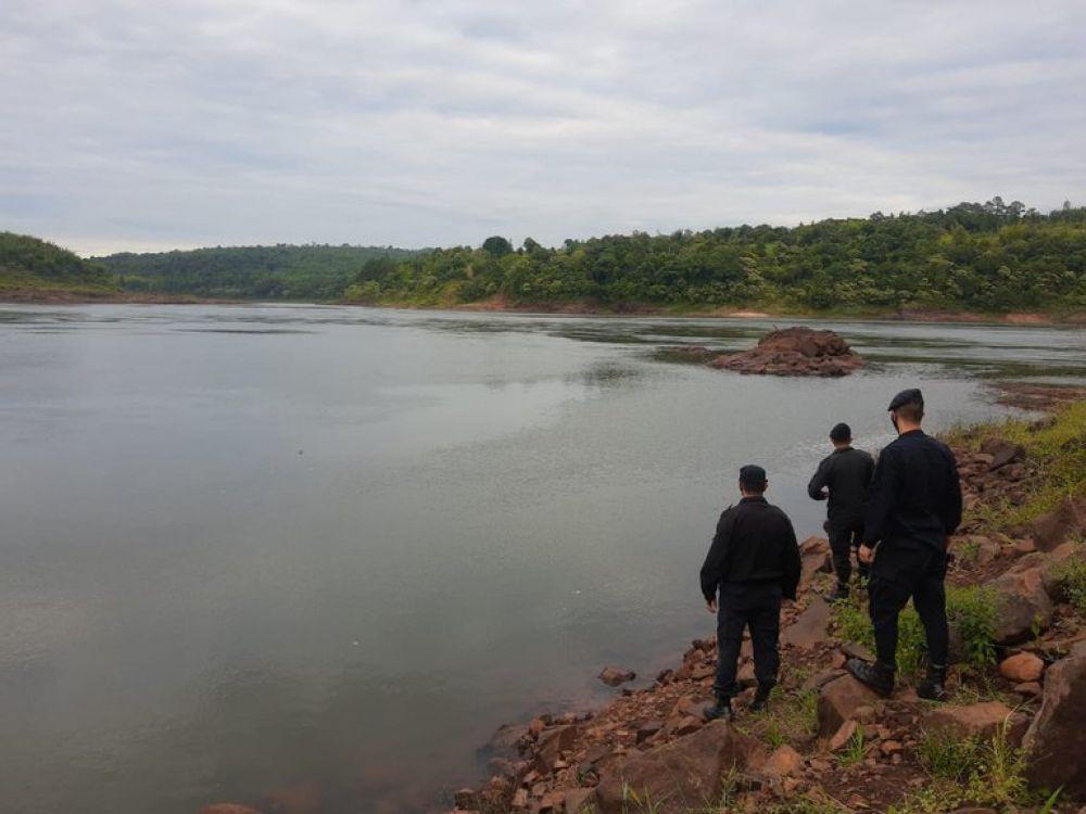 Tres hermanos de 8, 10 y 13 años murieron ahogados en el Paraná