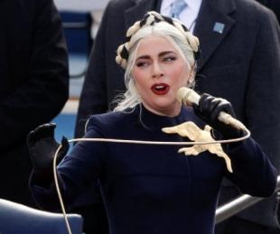 foto: Lady Gaga brindó una emotiva interpretación del himno de los Estados Unidos