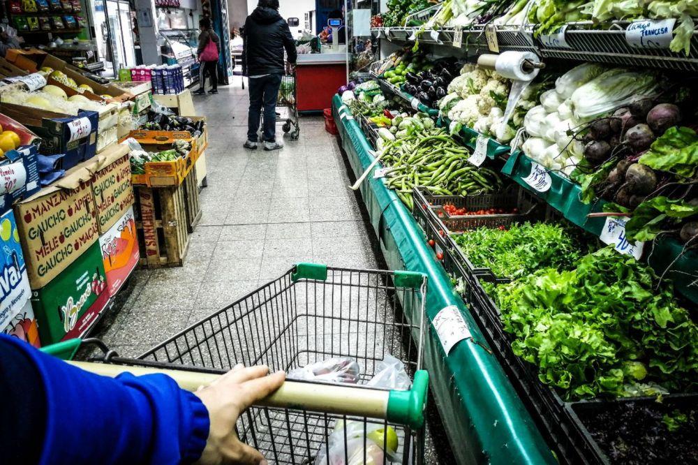 Los alimentos subieron casi 10 puntos más que la inflación durante 2020