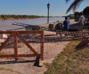 foto: Comenzaron los trabajos de reparación en la vereda de la Costanera