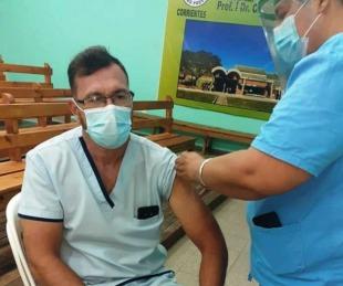 foto: Aplican la segunda dosis al personal de salud en el interior de Corrientes