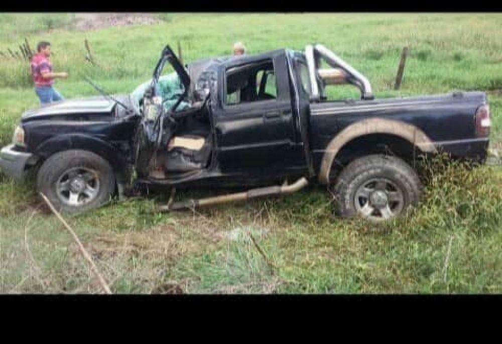 Una camioneta despistó y volcó sobre Ruta Nacional Nº 118