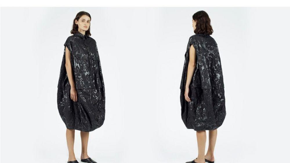 Vestido de 660 dólares ¿es una bolsa de basura?