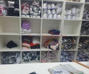 foto: Delincuentes robaron cerca de $800.000 en ropa de un comercio