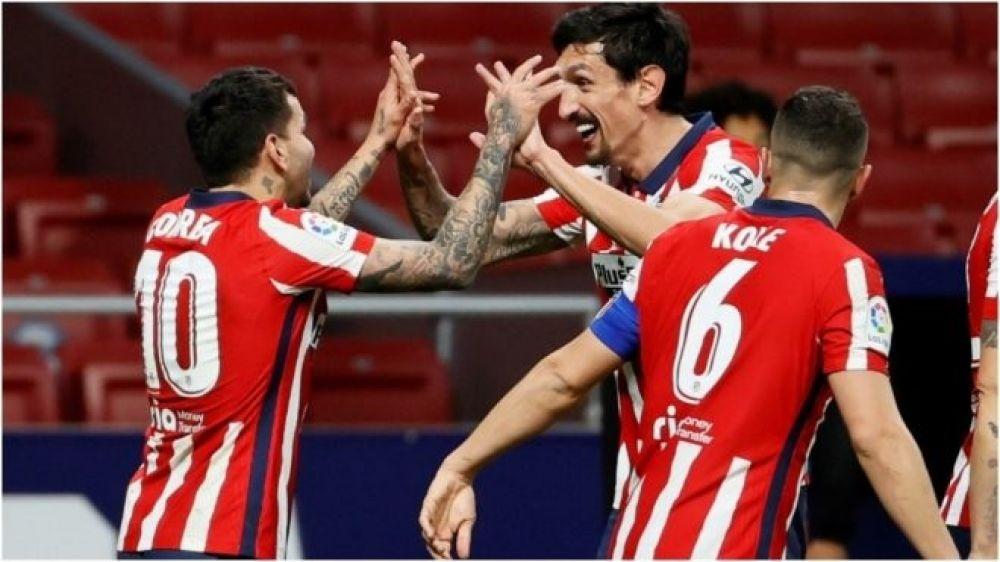 Con gol de Correa, Atlético de Madrid ganó y sigue líder en España