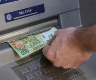 foto: Comienza el pago de sueldos provinciales por terminación de DNI