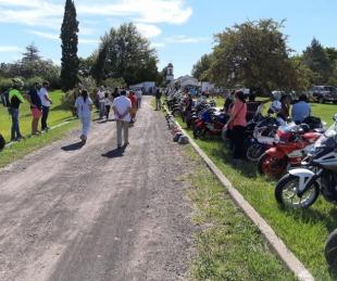 foto: Con una sentida caravana despidieron al médico correntino