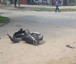 foto: Capital: dos personas terminaron heridas tras chocar con su moto