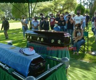 Despidieron con honores al cabo muerto en un accidente y a su hijo