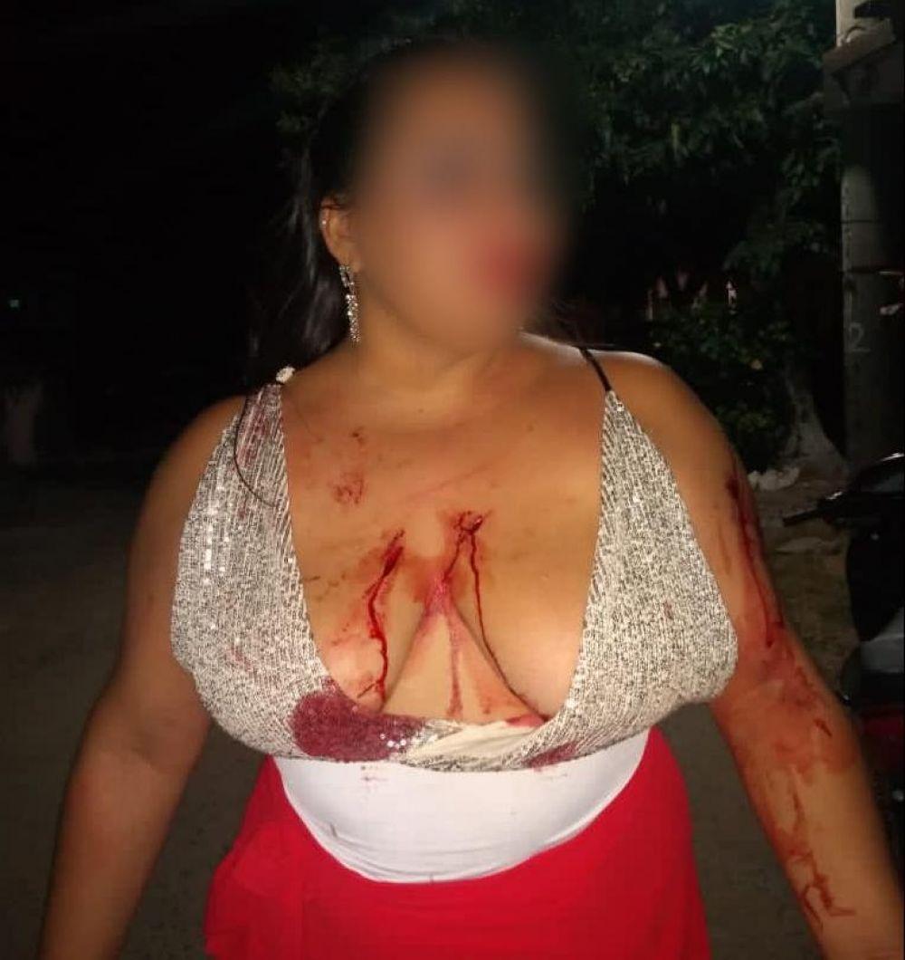 Esquina: brutal pelea entre dos mujeres tras una noche de fiesta