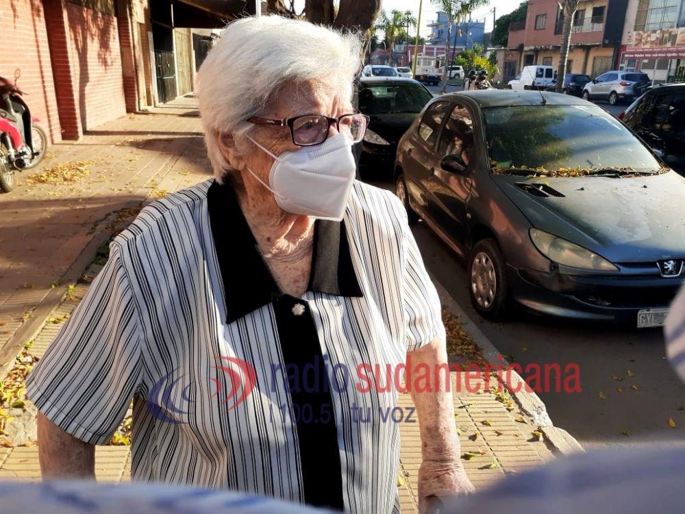 Ana María tiene 97 años y recibió la vacuna contra el Coronavirus