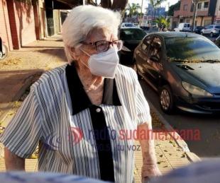 foto: Ana María tiene 97 años y recibió la vacuna contra el Coronavirus