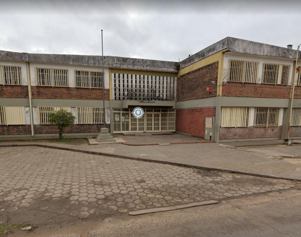 Profesores de una escuela reclaman desinfección ante caso de Covid-19